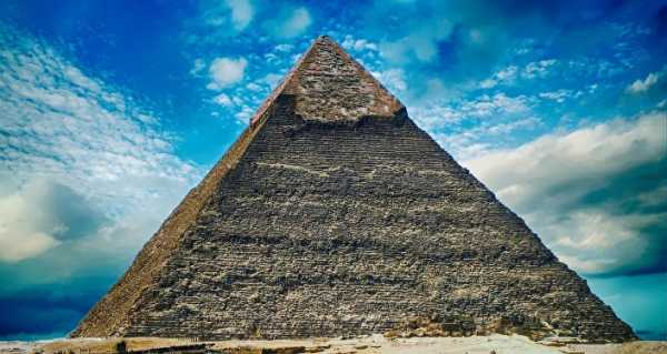 Air Vent or Tomb? Secrets of the Great Pyramid Probed by Robot