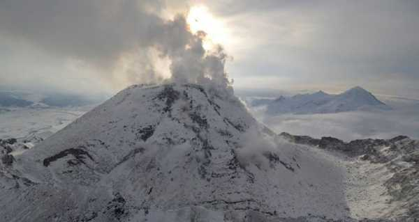 Bezymianny Volcano's Ash Covers 2 Settlements in Russia's Kamchatka, Emergencies Ministry Says