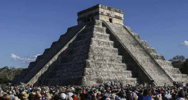 Tourist Detained by Police After Climbing Mayan Pyramid – Video